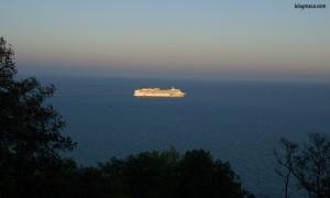 Norwegian Jade голям кораб пасажер